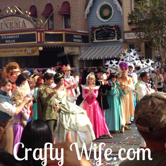 Disneyland's Christmas Day Parade