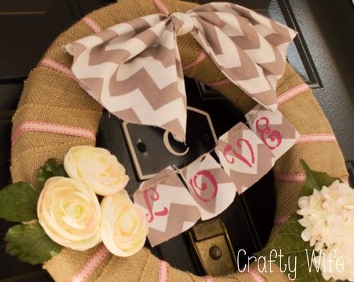 Chevron and Burlap Valentines Day Wreath | Crafty Wife