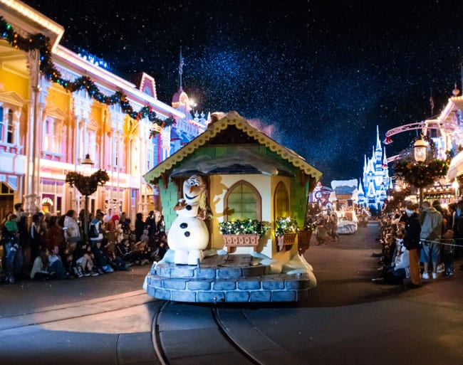 4 tips to effectively navigate Mickey's Very Merry Christmastime parade during the holidays at Walt Disney World.