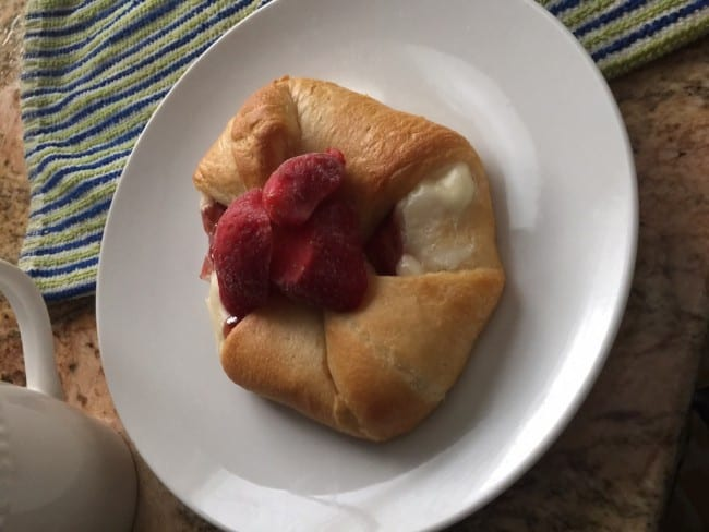 Bex from Butcher's Niche is sharing her delicious recipe for quick and easy strawberry and cream croissants. Perfect for the fruit lover.
