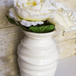 Add a little bit of color and life to an old vase using #decoart chalk paint. It's a great way to add a little bit of color to an otherwise bland space.