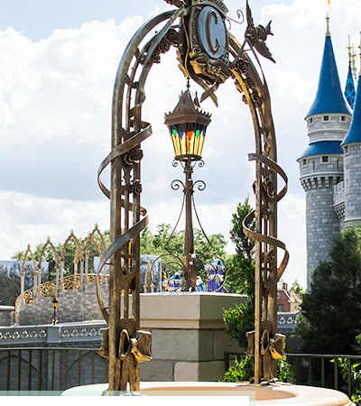 How to Take Disney Pictures (with no one in them!)