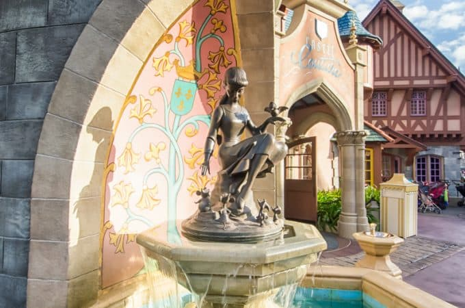 How to Score Free Things at Disney World