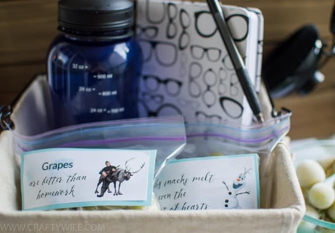 Make a study break care package for your school goers to get them motivated to do their homework featuring FROZEN grapes as a fun and healthy snack! #ad