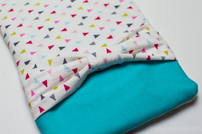 Travel with your electronics in style and learn how to make your very own fabric tablet case with this easy-to-follow tutorial!