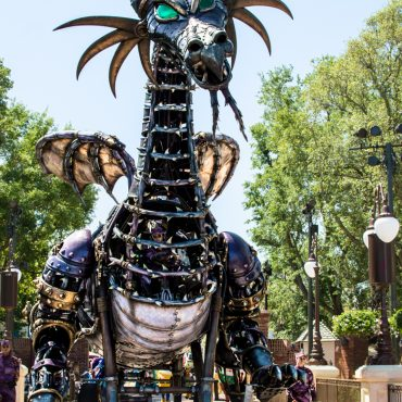The Complete Guide to Watching Parades at Disney World