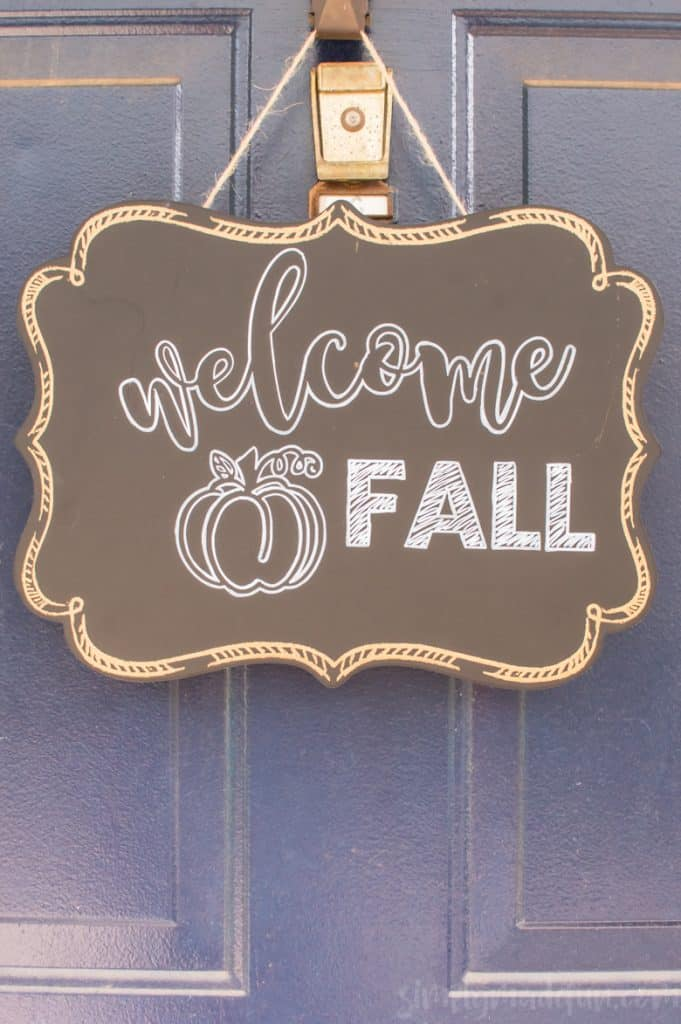 Make your own Fall sign in three easy steps! Grab your Silhouette machine, vinyl, and a chalkboard pen to make it happen.