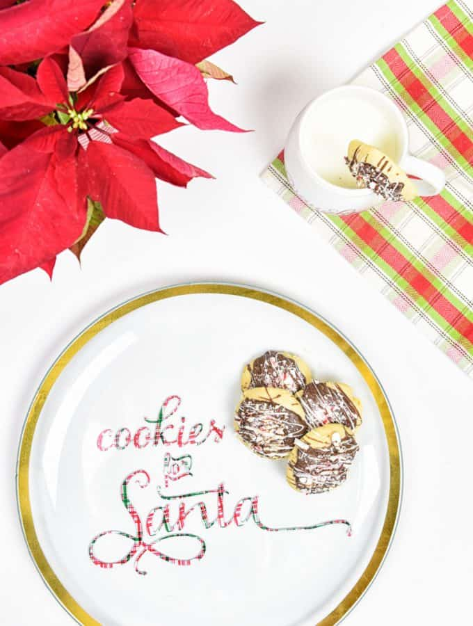 Vinyl Cookies for Santa Plate | Vinyl Crafts | Silhouette Cameo Crafts | Silhouette Cameo Vinyl Crafts | Christmas Crafts | Christmas Ideas