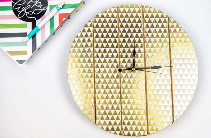 Decoupage Wooden Clock | Home Decor | Paper Crafts | Decoupage Crafts | Decoupage Ideas | Wooden Clock DIY | Home Decor Crafts