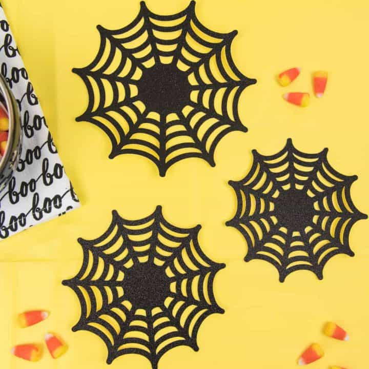 Paper Spider Webs -Get the SVG cut files for these paper spider webs! Make your own family-friendly decor instead this year, it only takes 15 minutes to put together with the Silhouette Cameo!
