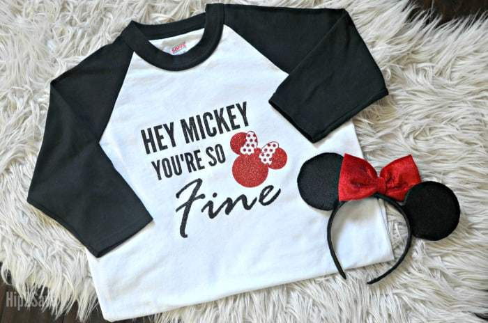 4e1100c3 16 Disney Shirts to Make with Your Silhouette - Simply Made Fun