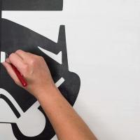 How to Stop Paint From Bleeding Through a Stencil