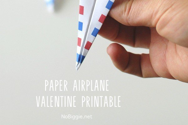 Paper airplane Valentine - free printable blog hop