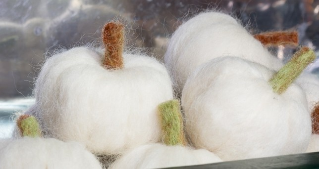 Mini Needle Felted Pumpkins • Nourish and Nestle
