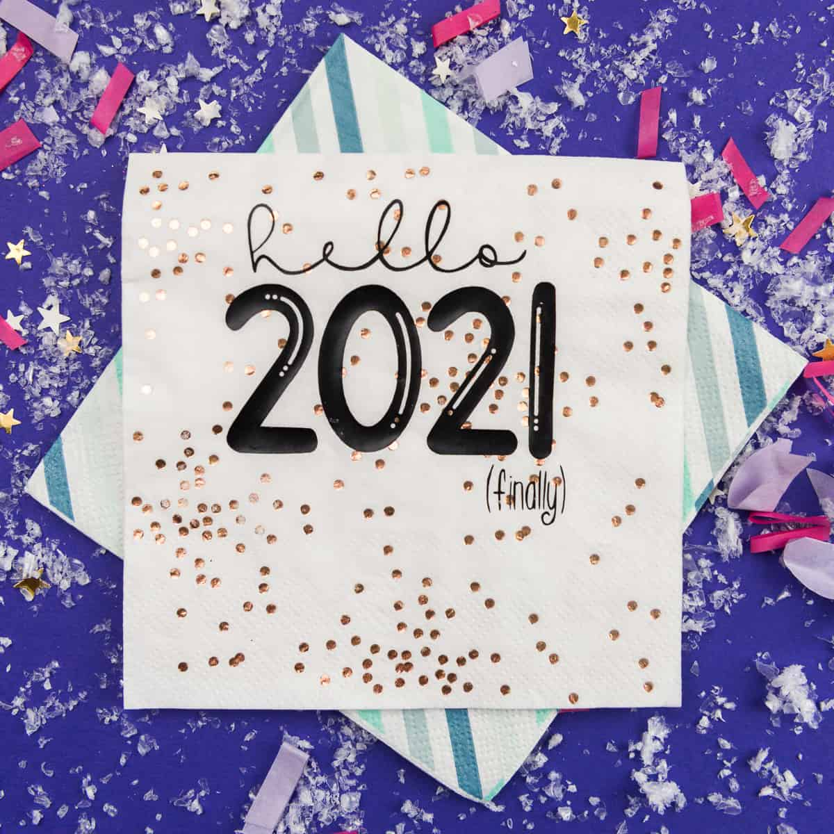 Paper Napkins with Iron On Vinyl for New Year's